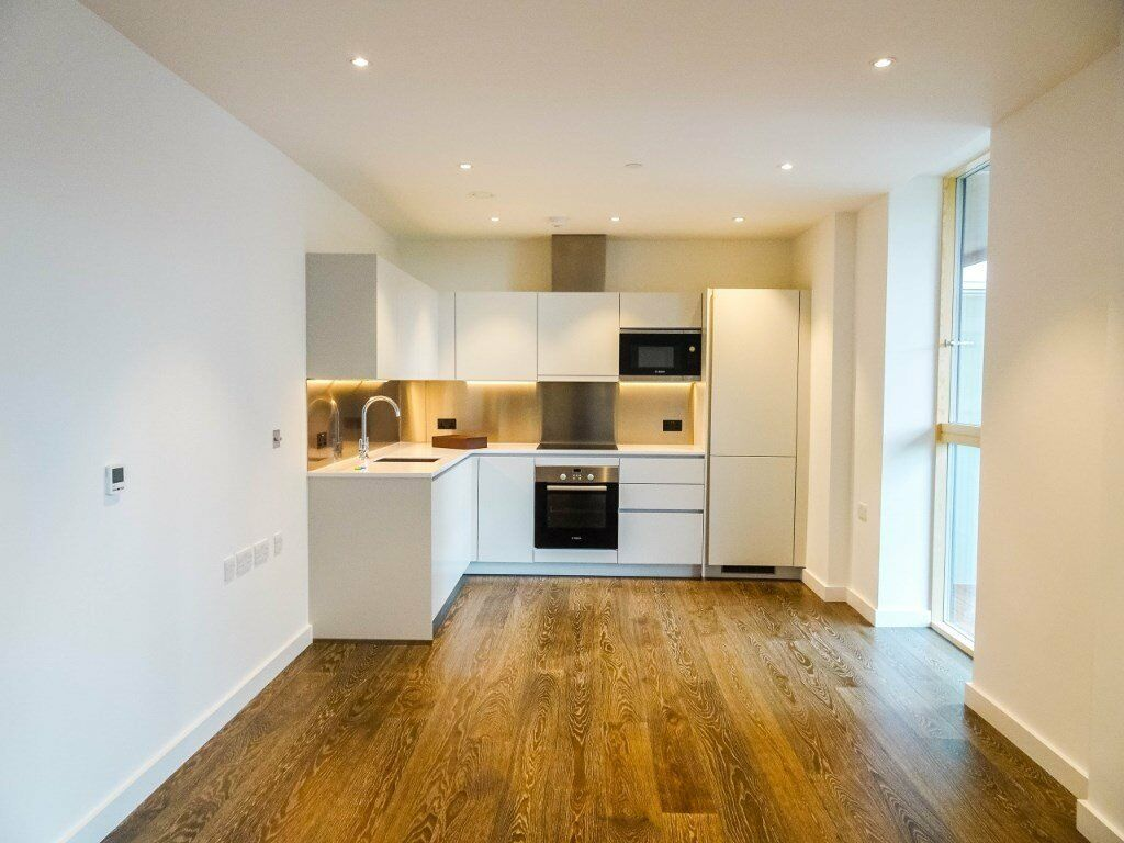 BRAND NEW UNLIVED IN DESIGNER FURNISHED ONE BEDROOM APARTMENT - QUEENS PARK / BIRCHSIDE APARTMENTS