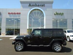 2015 Jeep Wrangler Unlimited SAHARA 4X4 TWO TOPS 4 DOOR / POWER