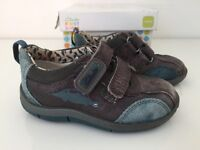 Clarks boys shoes - size 4.5 F