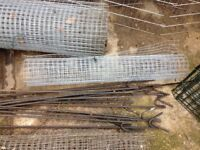 Field fence pins
