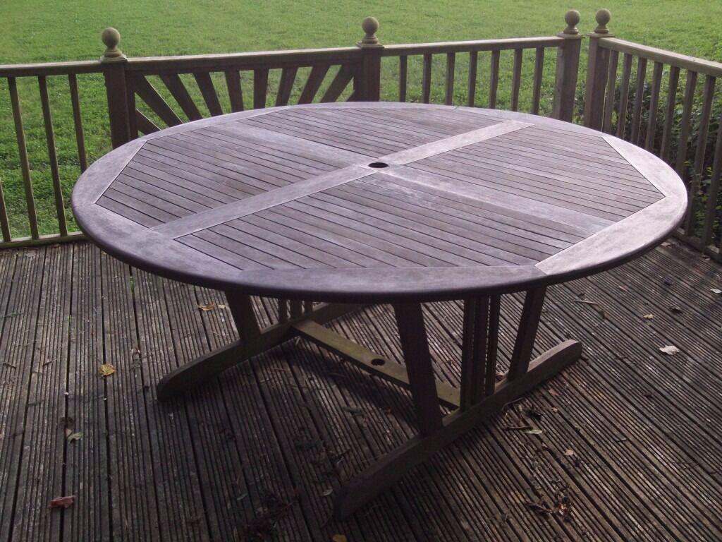 Large circular garden patio table with granite lazy susan for Garden decking gumtree