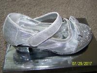 Kelsi Girls Silver shoes (Children's Size 12)
