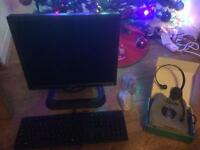 Large selection of dell &a Samsung computer monitors £10 each or £20 with keyboard,mouse & headset