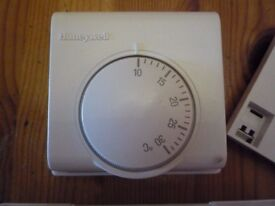 Honeywell 2 channel central heating - hot water programmer - used