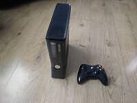Xbox 360 slim, 4GB Console plus 4 games