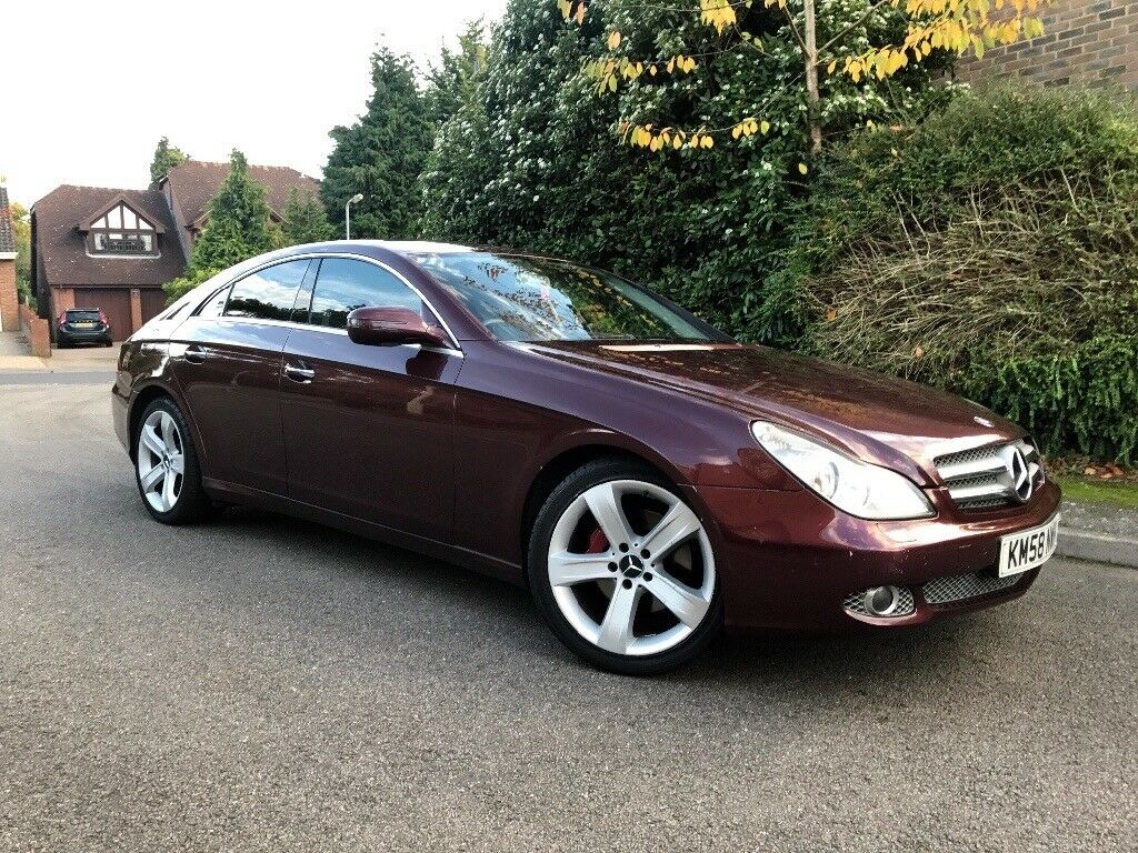 MERCEDES CLS 320 DIESEL - SAT NAV - FULL BLACK LEATHER SEATS - HEATED SEATS