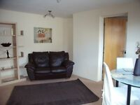 Superb 1 bed flat in great location with private parking
