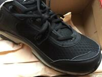 Specialized's Cadet Trainers black/grey