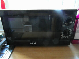 Akai A24001 Manual 20L Microwave 6 Power Levels, 800W Black Excellent Condition One Year Old