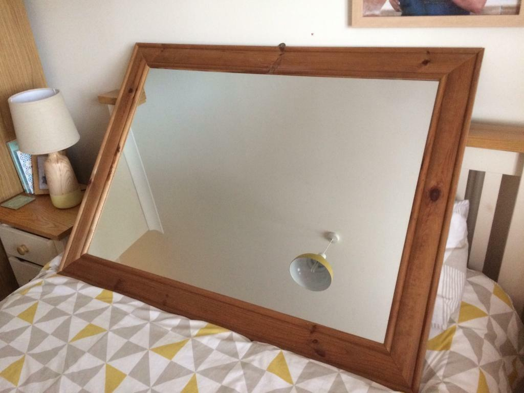 Wooden Wall Mountable Mirror