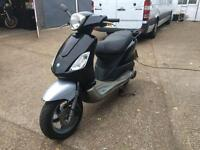 2006 Piaggio Fly 125cc learner legal 125 cc scooter. 1 Years MOT.