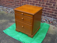 BEDSIDE CABINET STAG EDWARDIAN STYLE 2 Drawer BEDSIDE CABINET Table with Top Tray FREE DELIVERY