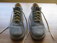 Moshulu blue suede boots men's size 9