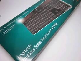 Logitech K750