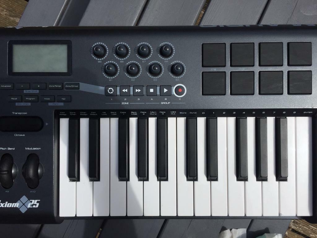 M audio Axiom 25 controller keyboard boxed and never used