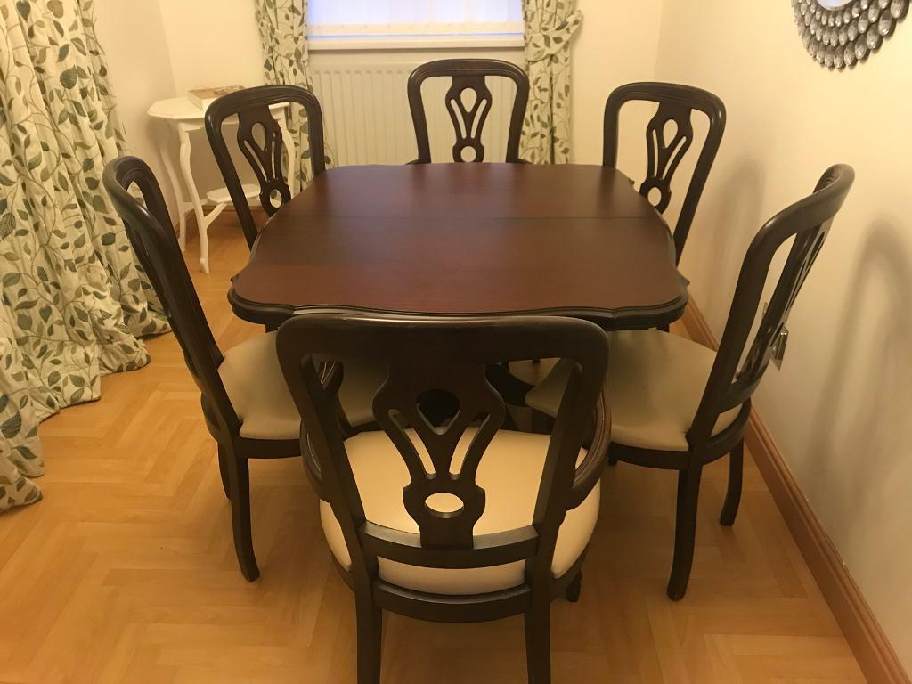 Mahogany Wood Extending Dining Room Table And 6 Chairs