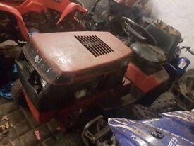 Sit on lawnmower Wheel Horse 227-5