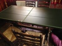 Oak refectory dining table and 5 rush-seat dining chairs, inc. 1 carver