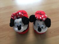Minnie Mouse stompeez slippers size small