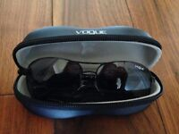 VOGUE Black female phantos sunglasses VO2971S