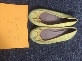 Ladies Shoes Size 6