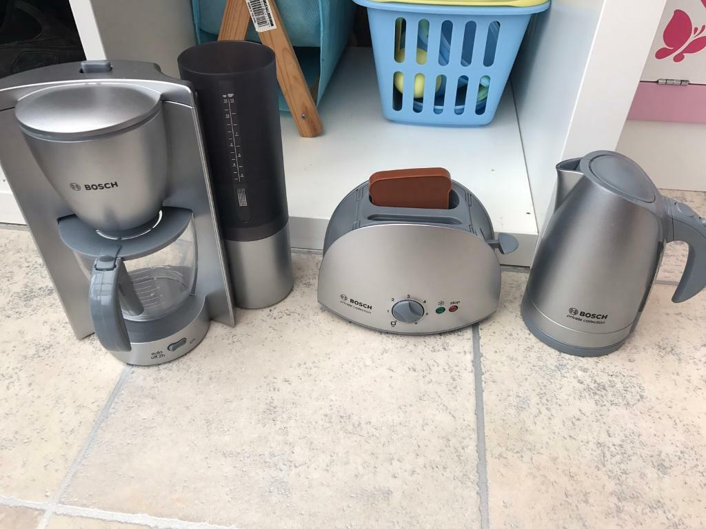 Children's Bosch coffee maker, kettle and toaster