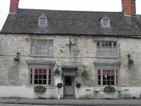 2nd Chef with Pride Needed for Lovely Waterside Pub - Live in or out - On main bus route into Oxford