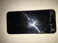 IPHONE 6 (CRACKED SCREEN)- FULLY WORKS (EE)