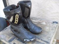 BIKER BOOTS FULLY ARMOURED SIZE 10 PLUS OTHER BIKER GEAR !