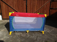 Hauck travel cot, Lovely bright, colourful, very good condition.