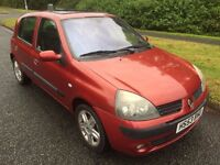 CLIO 1.5DCI DYNAMIQUE 5 DOOR 53 REG IN RED WITH GREY TRIM,MOT DECEMBER AND ONLY £30 ROAD TAX