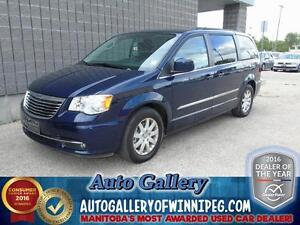 2015 Chrysler Town & Country Touring *Roof/DVD