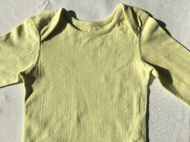 Baby grow short legless:pail yellow 100% cott,M&S,made in India. size 18-24 mont