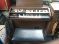 Hammond Electric Organ Model 123J2