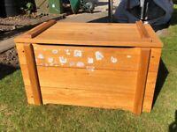 PINE TOY BOX GOOD CONDITION £10