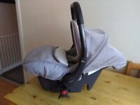 **REDUCED** Silver Cross VENTURA PLUS S first stage car seat with BUGGY ATTACHMENTS..needs gone ASAP