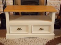 SHABBY CHIC TV CABINET PAINTED IN ANNIE SLOAN OLD OCHRE (CREAM)