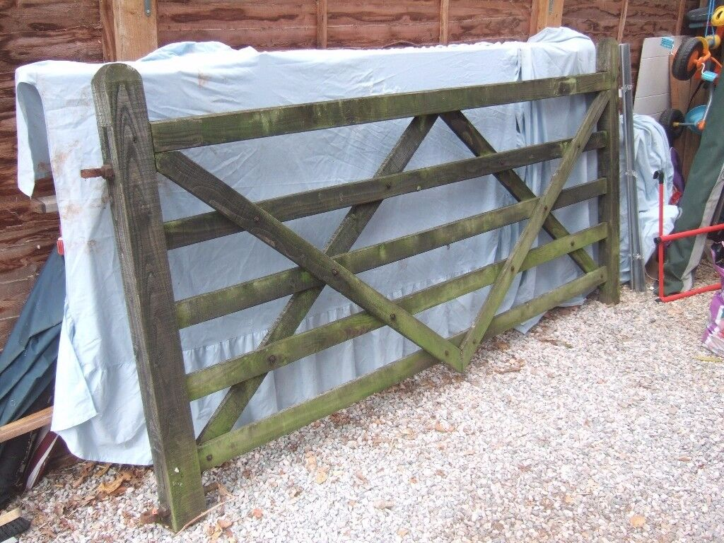 Wooden driveway/field gate and galvanised steel post