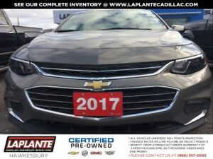 2017 Chevrolet Malibu Navigation + Panoramic sunroof + Leather