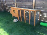 8ft rabbit run/ chicken coop, excellent condition (rabbit not included!)