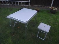 Small Camping Table & 2 chairs