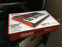 AKAI Professional MPK Mini MKII 25-Key Portable USB MIDI Keyboard - Brand new and unopened SAVE £15!