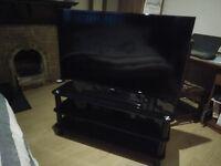 "SAMSUNG EU46F5000AK 46"" TV Hardly Used"