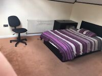 Nice speacious Double room for single person.