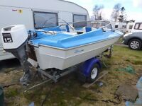 13ft speed boat w/15 HP Outboard on nearly new Trailer