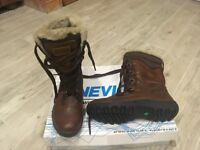 BNWT Nevica ladies fur and leather boots - size 7