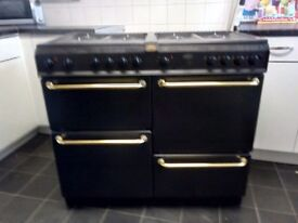 Excellent condition belling range contry cooker