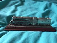 The flying Scotsman metal steam train model ornament Royal hampshire 16cm long