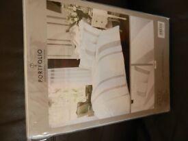 King size white and diamante duvet set