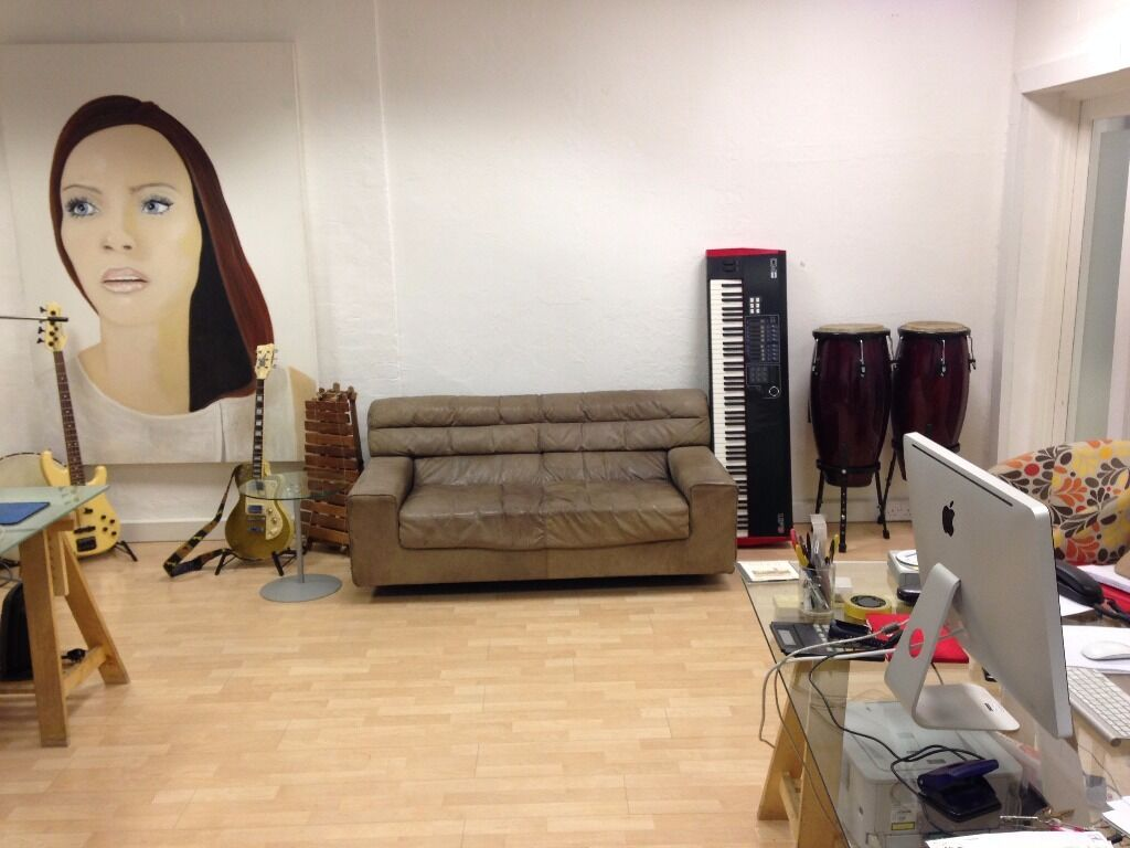 Desk space within small music production office in marylebone london gumtree - Small office space london property ...